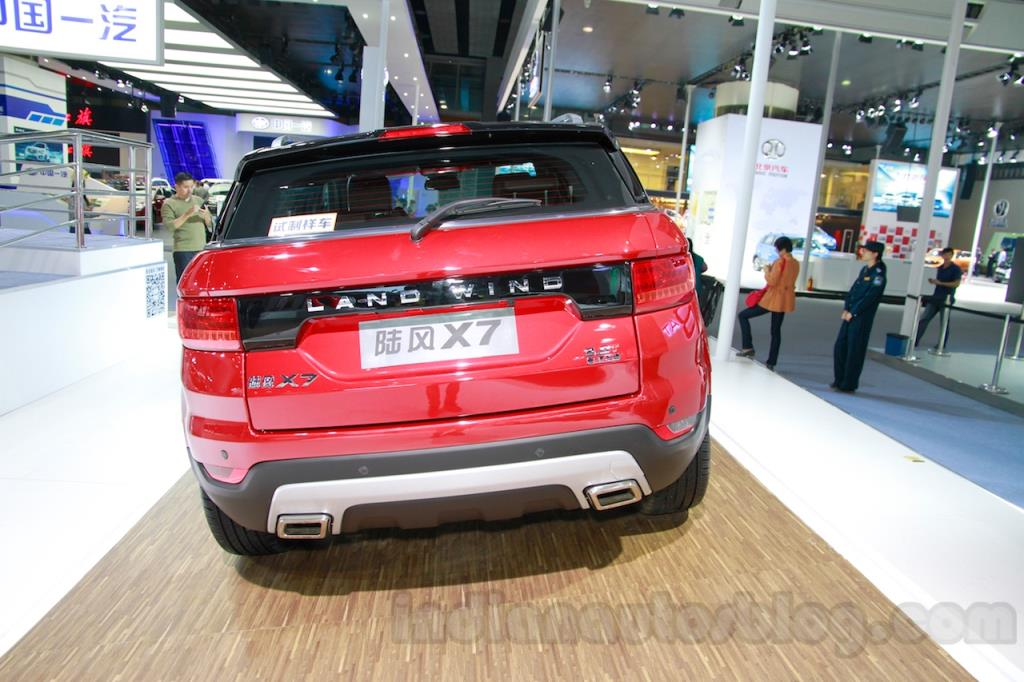 Landwind-X7-rear-at-the-Guangzhou-Auto-Show-2014 (1).jpg